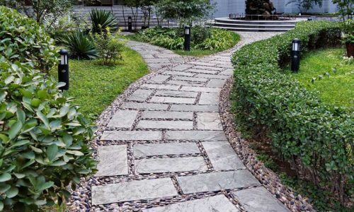 Aanleg bestrating ronde paden - De Plant Technicus